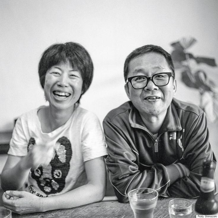 「路上」に出て、人の生き様と向き合い、写真を撮るということ。/////俳優の小林すすむさん夫妻に出会ったのは写真仲間とカフェにいた時だった。 芸能人だとは知らず、雰囲気の良い夫婦だったので写真を撮らせてもらった。その時の写真や撮影の時に過ごした時間をすごく気にいってくれて、後日、写真の仕事をくれた。 それは俺にとって初めての写真の仕事だった。