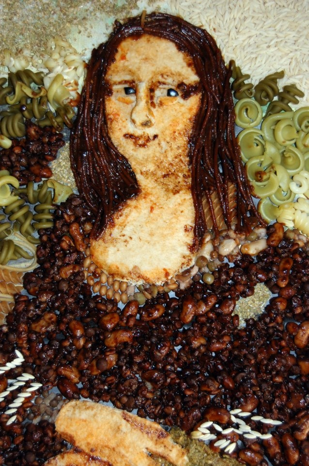 Mandy Mason loves both Italian art and Italian food so she decided to combine the two! This Mona Lisa inspired piece uses Italian foods including pasta, pizza, olives, spaghetti, Italian mixed beans and Orzo. It's very impressive Mandy