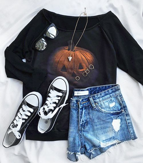 Share this magic with $18.99 Only+easy return+free shipping! This pumpkin print sweatshirt reveals this mysterious look with its cold shoulder design! Show it off at Cupshe.com