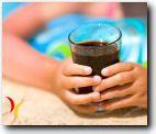 Efectos que los ingredientes de las bebidas gaseosas pueden causas sobre nuestra salud. Sabrosas como son las bebidas carbonatadas, se debe conocer el efecto de sus ingredientes y no permitir que reemplazen nutrientes naturales de una dieta.