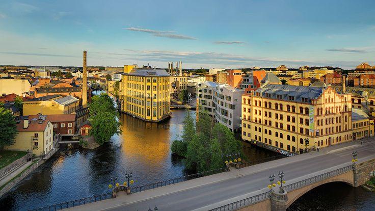 <p>Industrilandskapet är ett tidshistoriskt dokument fullt i klass med medeltidens Visby ringmur och stormaktstidens Gamla Stan i Stockholm. Norrköpings industrilandskap utgörs av stadens centrala delar med många sevärda byggnader och aktiviteter.</p>