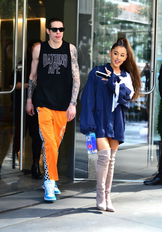 36c21dcdeb5f Ariana Grande and Pete Davidson Shopping at Sephora in NYC 06 29 2018