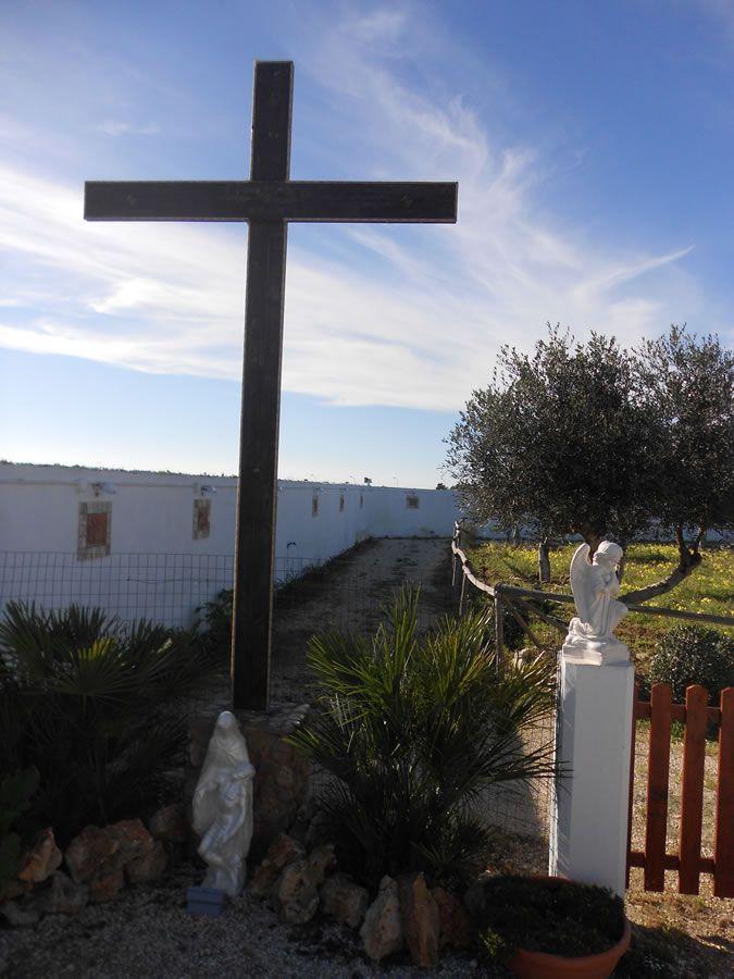 """Dit is het Kruis van de Verlossing en, door middel van deze Cross, zielen zullen dankzij ontvangt geen einde, want mijn heilige aanwezigheid is nog in Steek hier verheffen. . Ik zegen je in Mijn Naam Heilige en Goddelijke """"  De boodschap van dinsdag 14 september, 2010 (Verheffing van het Heilig Kruis) Jezus zei:      """"Cross Tree of Life, Cross Teken van de Overwinning, Cross teken van leven!"""