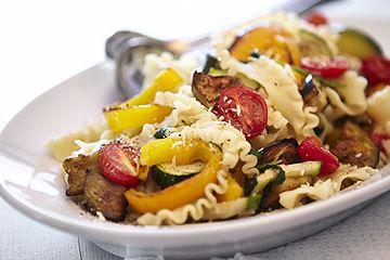 Grilliertes Gemüse mit Nudeln