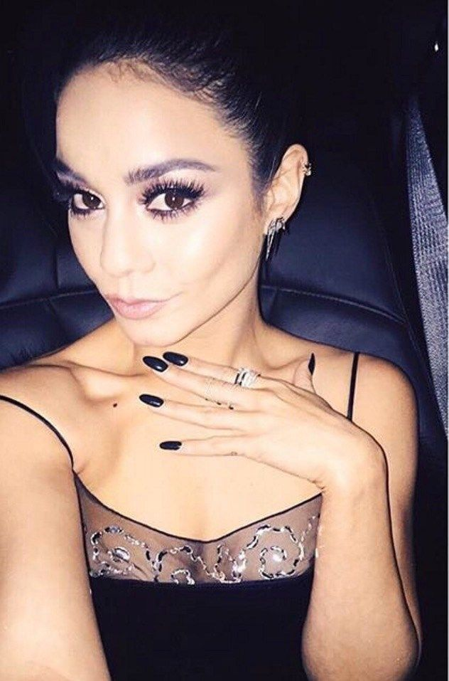 16 Hottest Selfies of 2016 — So Far!