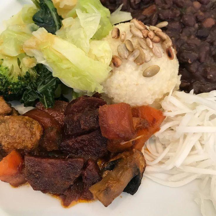 Almoço delicioso no Ki Macrobiótico. Tão bom!