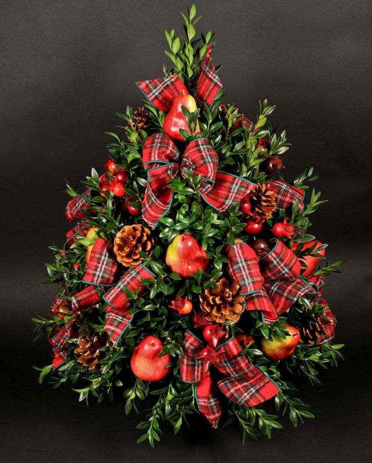 Boxwood, fruit & tartan tree...
