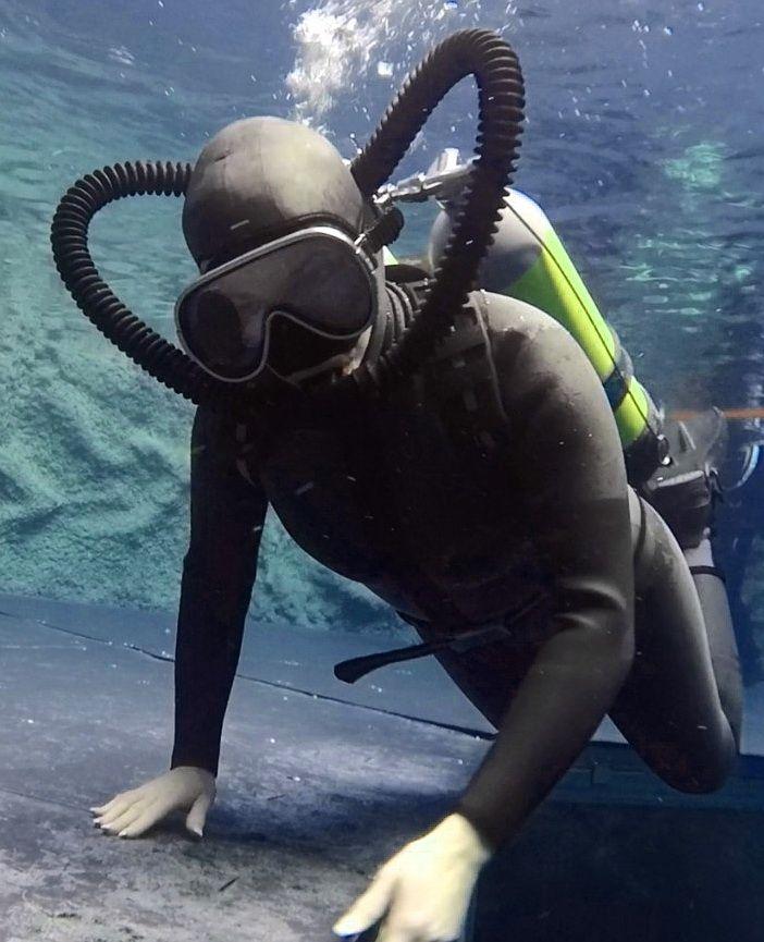 Montoya - Underwater