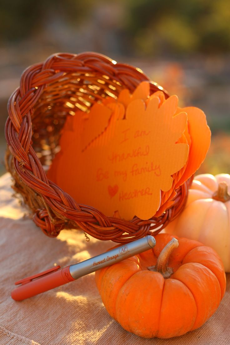 Looking for a Thanksgiving centerpiece that everyone can contribute to? Here is ours... BIC Mark-It™ Month of Merry Marking Thanksgiving Cornucopia #HarvestOrange #BICMerryMarking #ad