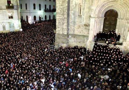 Universidade de Coimbra - Tradicional Queima das Fitas - Coimbra: serenata (Fado de Coimbra)