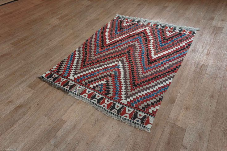 Hand Woven Cesme Kilim from Turkey. Length: 197.0cm by Width: 152.0cm. Only £489 at https://www.olneyrugs.co.uk/shop/kilims-for-sale/turkish-cesme-22153.html    Check out our amazing mixture of oriental and Persian rugs, carpets, kilim ottomans and Kilim cushion covers at www.olneyrugs.co.uk