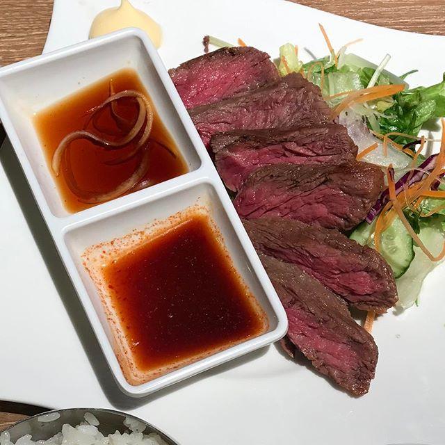 今日のランチ🍽 ヤンニョムカルビ定食🐂 #ランチ #ヤンニョムカルビ #カルビ #品川ランチ #肉 #韓国料理 #オジョリ #肉料理#koreanfood #korean