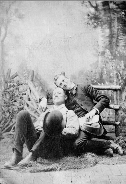 Here is how gay couples express their loves for each other in the Victorian Era. A late 19th century gay couple A middle-aged gay ...