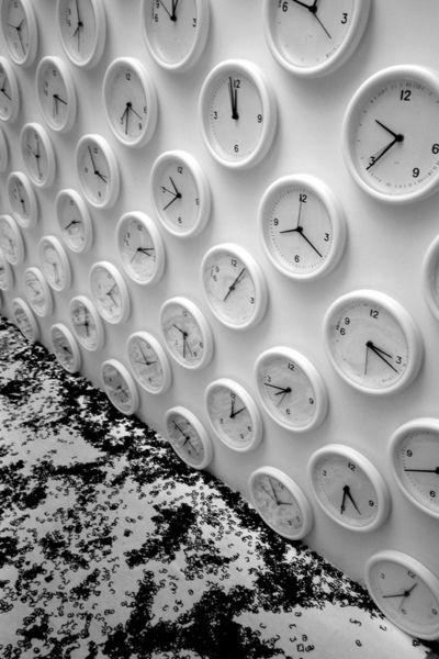 Cildo Meireles. #time #clocks