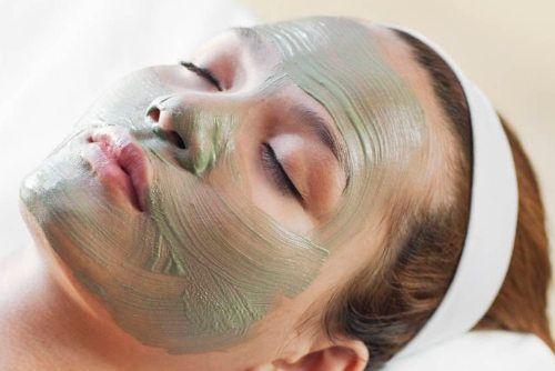 Arcilla Verde ➨➨➨ Entra y descubre como hacer una mascarilla con esta arcilla, cuáles son sus propiedades y usos, y cómo aplicarla en la piel.