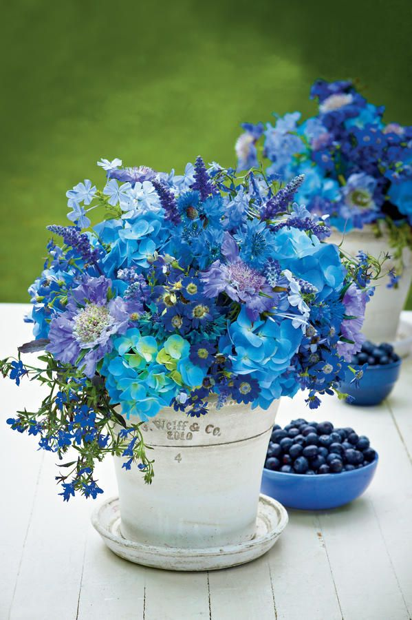 The best blue flower centerpieces ideas on pinterest