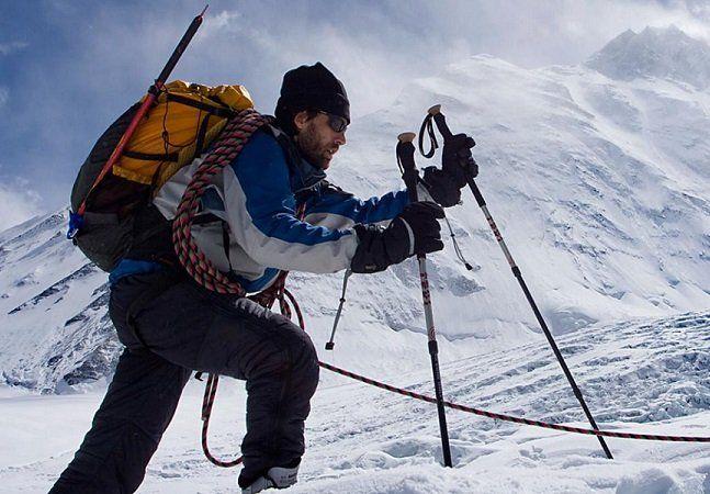 Erik Weihenmayer é um exemplo de superação para muita gente. O alpinista americano provou para o mundo que não é preciso enxergar os próprios pés para subir cada vez mais alto. Foi assim que, mesmo sem ver onde estava pisando, Erik conquistou os Sete Cumes - nome dado ao conjunto das montanhas mais altas de cada continente.O alpinista foi o primeiro homem cego a realizar esse feito, que inclui até mesmo o monteEverest, o mais alto do mundo. Erik tinha apenas 13 anos quando ficou…