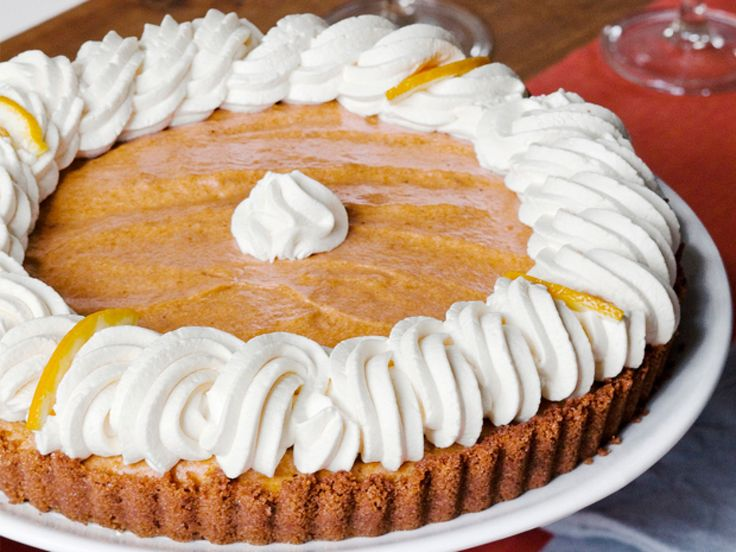 The Barefoot Contessa's Pumpkin Banana Mousse Tart : Thanksgiving may be a time for the classic pumpkin pie, but Ina