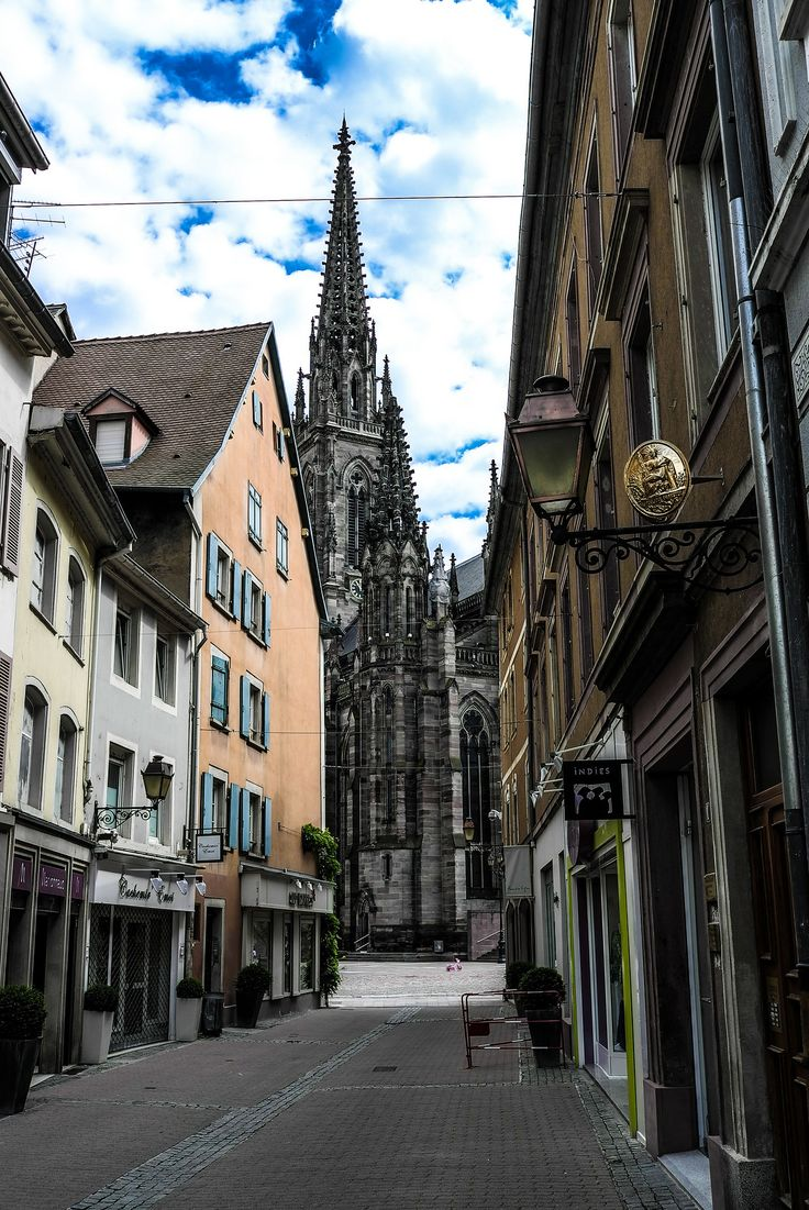 Mulhouse is the 2nd largest city in the Alsace region of France. In the 19th century it was one of France's leading textile centers.