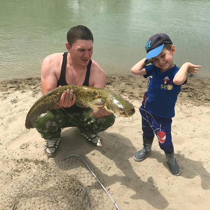 От участника сообщества #охотникикз. Автор @Tolyasik_k. Открытие сезона на реке Или. 05 июня 2017 года. Канал за Баканасом. #охотникикз #ohotnikikz #рыбалка #алматы #баканас #рыбалка #сом