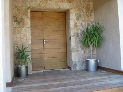 25 best ideas about porte entree bois on pinterest for Porte de maison exterieur