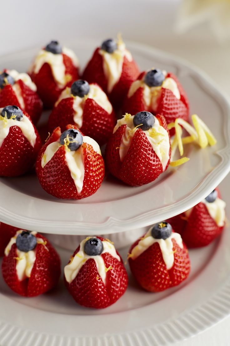 Don't just stop at fresh flowers....these Lemon Mascarpone Strawberry Tulips are flowers that everyone would enjoy!