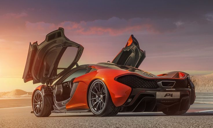 The McLaren P1 will go from 0 to 100 km/h (62 mph) in 2.8 s, 0 to 200 km/h (124 mph) in 6.8 s, and 0 to 300 km/h (186 mph) in 16.5 seconds, making it a full 5.5 seconds faster than the McLaren F1.