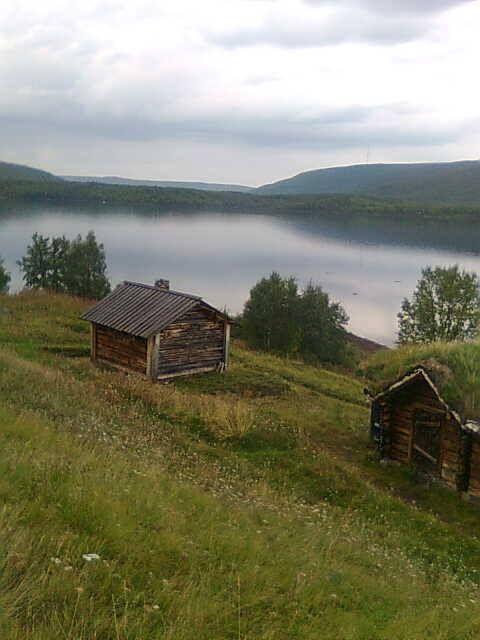 Utsjoki - Utsjoen kirkkotuvat *  http://en.wikipedia.org/wiki/Utsjoki   -- Kuva Kaisu Rissanen