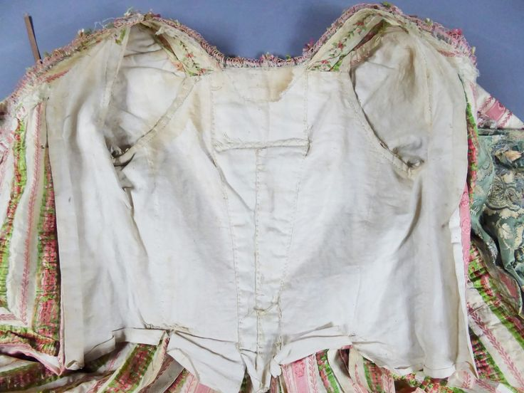 """Detail bodice lining, court robe à la francaise, France ca. 1780. Very fine cream silk taffeta """"mexicaine"""" with pink stripes, embroidered with floral sprays, fabric trim, linen lining."""