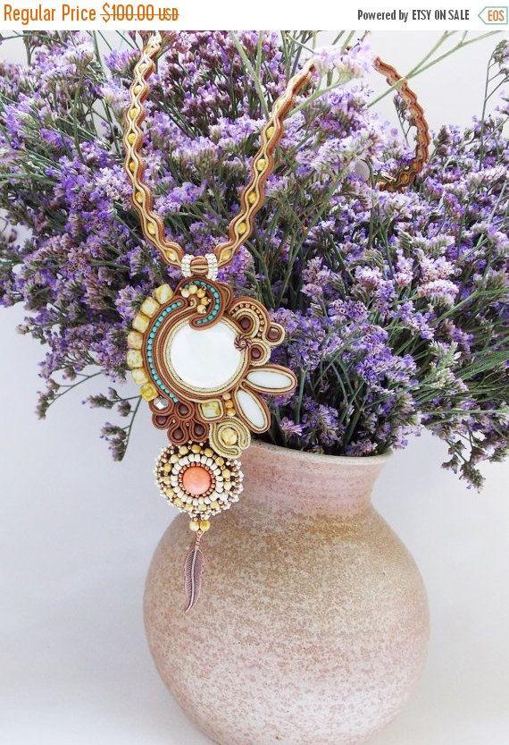 Gioielli di soutache. Collana Soutache OOAK gioielli fatti a mano. Collana con filo colorato, gioielli di perline, regalo fatto a mano unico per lei.