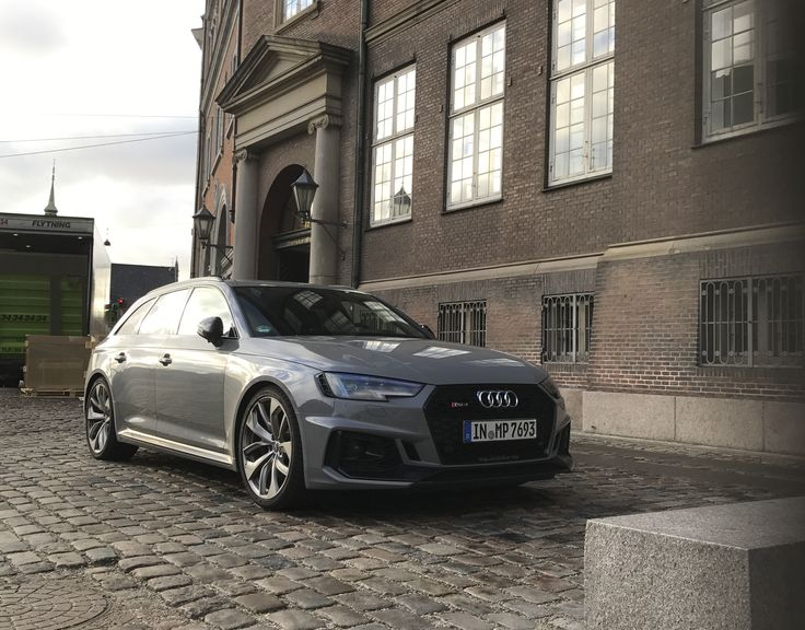 Spitny Audi RS4 Avant spottet i København - http://bit.ly/2AqfMw9