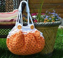 Fat Bottom Granny Square Bag Free Crochet Pattern