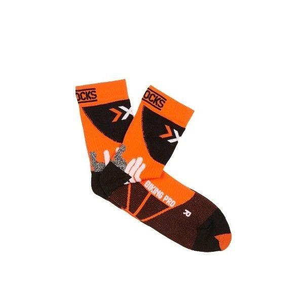 X-Bionic Biking Pro socks ($15) ❤ liked on Polyvore featuring men's fashion, men's clothing, men's socks, mens orange socks, mens compression socks, mens knit socks and mens neon socks