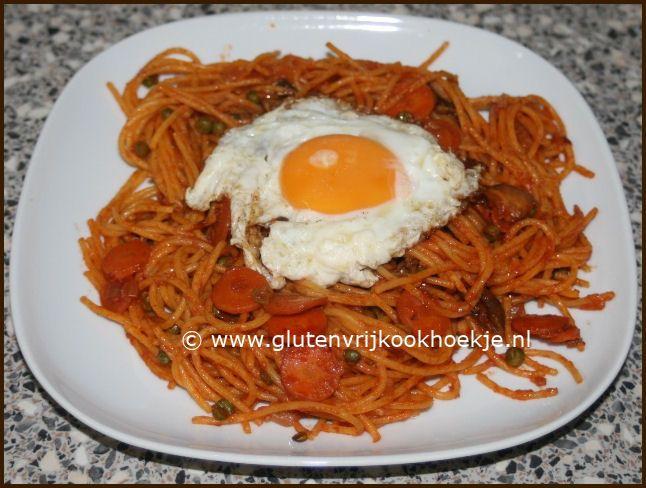 tomatenspaghetti met gebakken ei