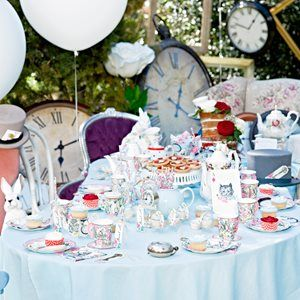 Alice in wonderland inspired tea party from the wonderful party shop Little Lulubel