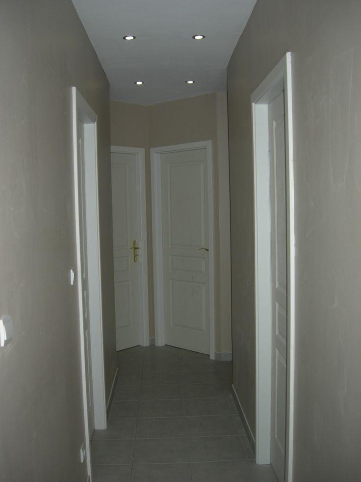 D co pour couloir trop triste trop sombre couloir - Peinture pour entree et couloir ...