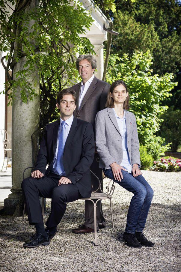 Le Rosey: bienvenue à l'école de l'influence. De gauche à droite: Christophe Gudin et ses enfants Philippe et Marie. © François Wavre/Rezo