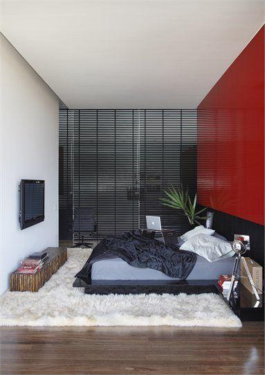 LA HOUSE - Londrina, Brazil - 2008 - Studio Guilherme Torres #architecture #ineriors #design #brazil | Small space, Bedroom, accent color wall.