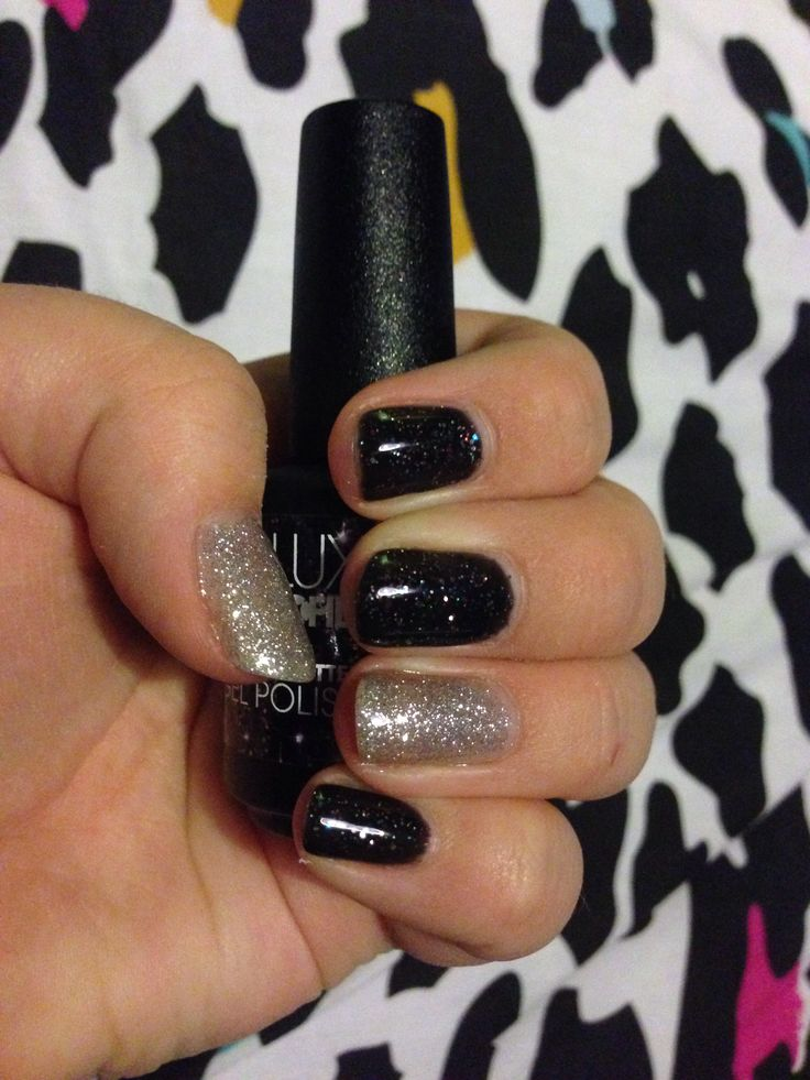 Asteroid with Silver Glitter on thumb and ring finger