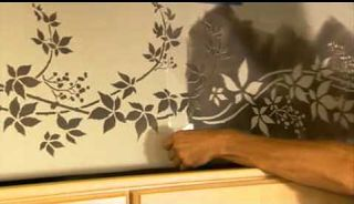 Stencils: How to Stencil a Kitchen Border. Wall stencils by Cutting Edge Stencils. DIY decor ideas.  Kitchen Decor Ideas