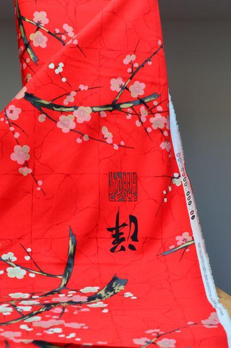 Tela japonesa, diseño de Alexander Henry. Un estampado japo en color rojo intenso. Comprar online telas por metros y en FQ. Todas son telas originales.