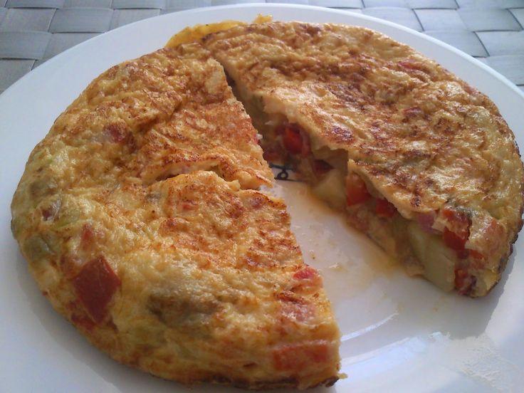 Tortilla de patata y verdura del blog De pucheros y otros