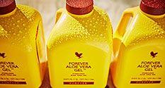 Aloe vera gel.  Darmklachten? opgeblazen buik? Futloos? 96% Pure gestabiliseerde aloë vera gel die de natuurlijke gel uit de plant met 200 verschillende bouwstoffen zo goed mogelijk benadert. Deze rijke bron van voedingsstoffen biedt de perfecte aanvulling op een uitgebalanceerd voedingspatroon. Helpt de immuniteit te verhogen, stimuleert de spijsvertering en zorgt voor een fitter gevoel. Drink het om een gezonde levensstijl te ondersteunen en om lekker in uw vel te zitten.