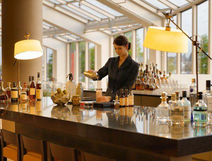Glashaus Bar in the Hyatt Regency Cologne
