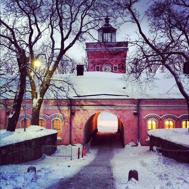 Suomenlinna is my home. It is like living in a village in the middle of town. I wish that the travellers find this place also in off-season time. That's when it is most enjoyable. Ofcourse it's nice also in summer, but then it's quite grounded.