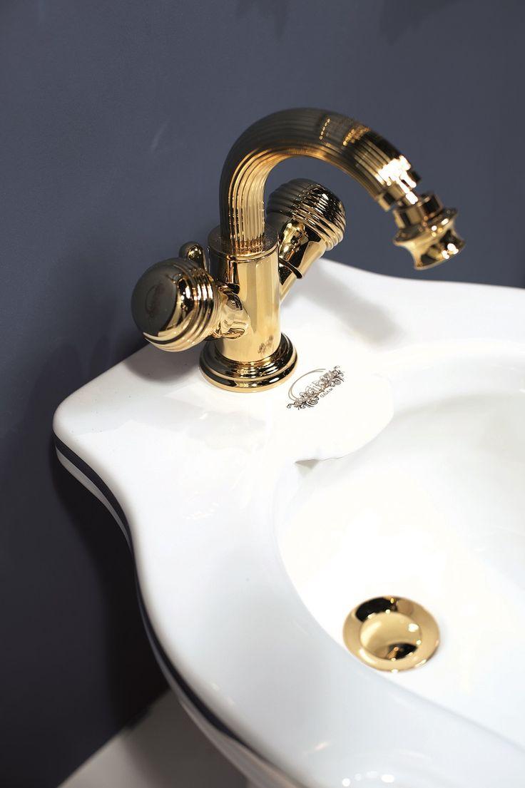 Rubinetteria Olympia RB8444 #GaiaMobili #gaia #bathroom #bagno #bathroomideas #bath #madeinitaly #italian #bathroompics #architect #interior #interiordesign #bathroomideas #design #designer #taps #rubinetteria #faucets #faucet #rubinetto #style #styles #details #gold #oro #arredobagno #arredamento #classico #bagnoclassico #millerighe #luxurybathroom