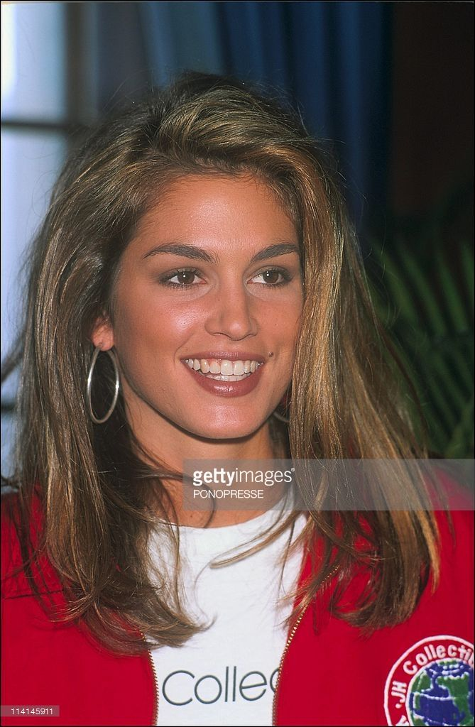 When is cindy crawford's birthday-1314
