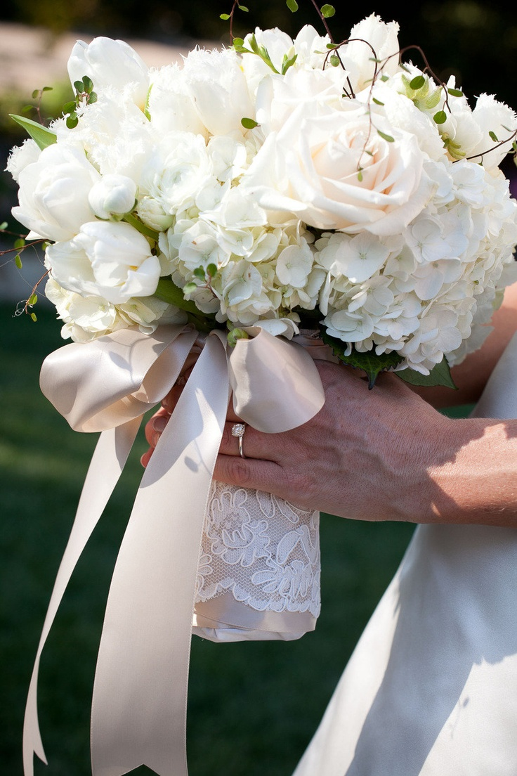 Ribbon & lace bouquet wrap. LOVE.