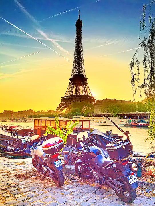 Eiffel-torony Sunset, Párizs, Franciaország.
