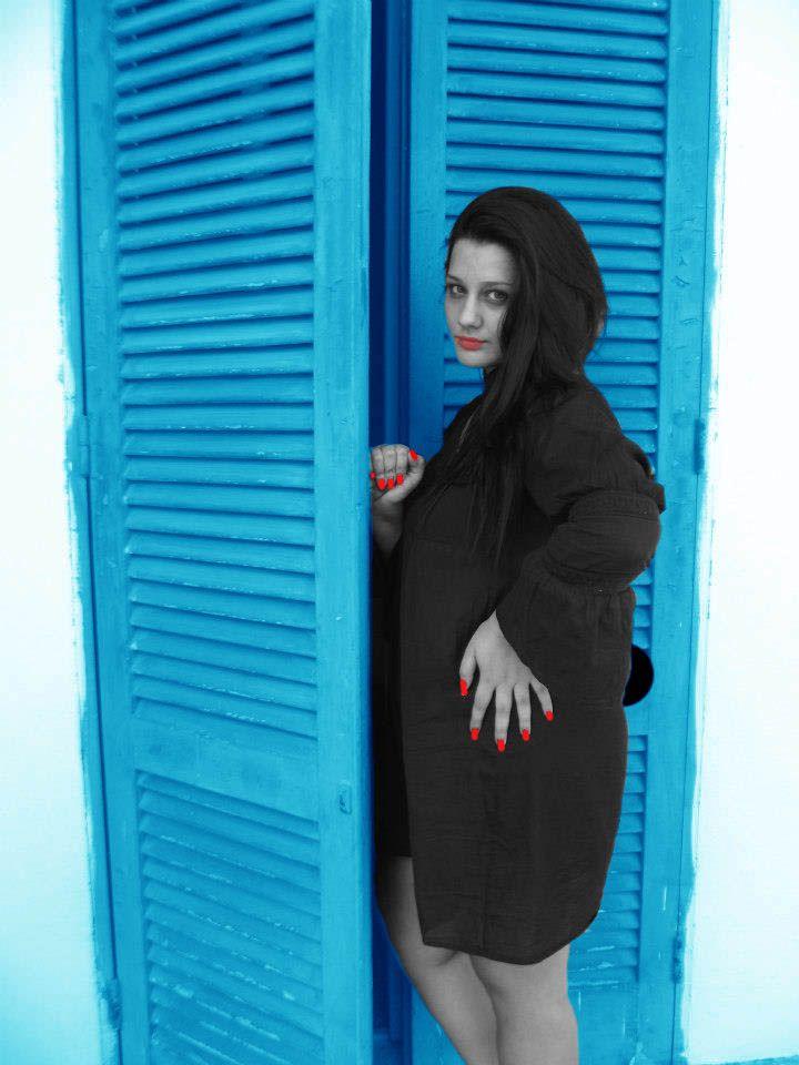 PRIVATE PHOTO, REWORKING: Donatella Scanderebech, MODEL: Valentina Masella